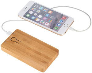 powerbank 5000 in bamboo