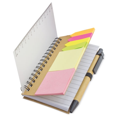 Blocco note con penna e post-it